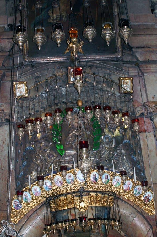 Innenraum die Kirche des heiligen Grabes nannte auch die Kirche der Auferstehung lizenzfreie stockfotos
