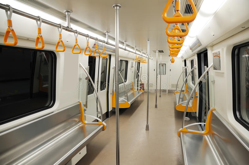 Innenraum einer Untergrundbahn lizenzfreie stockfotografie