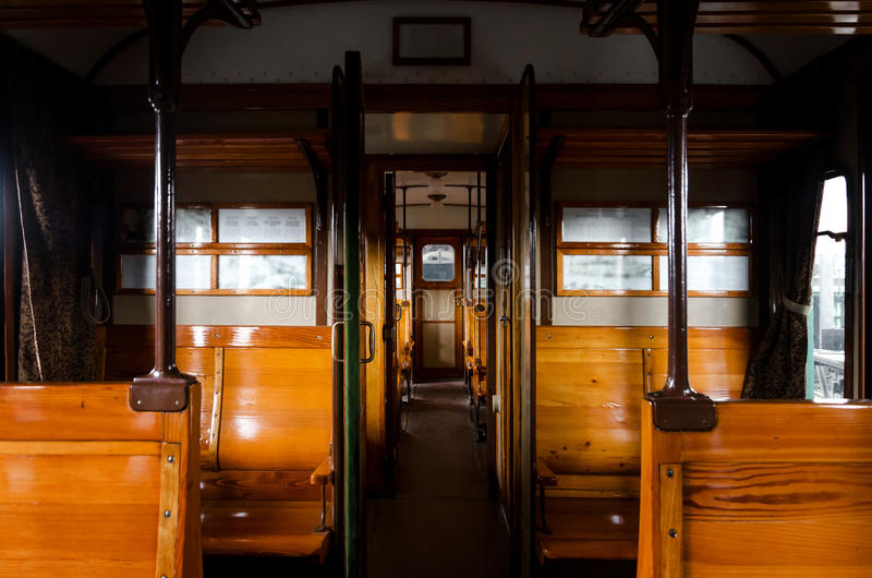 Innenraum eines Centoporte-Fach-Zugzuges stockbild