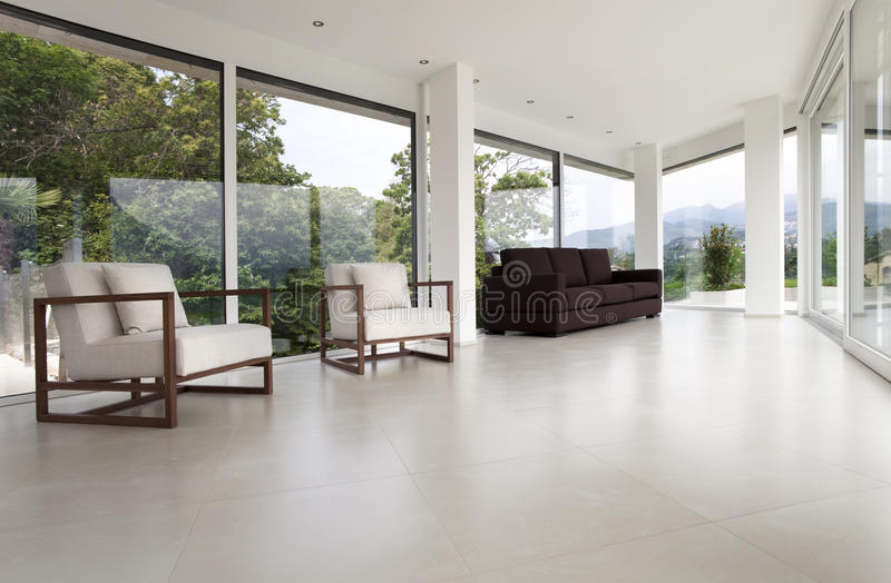 Innenraum eines modernen Hauses stockfotos