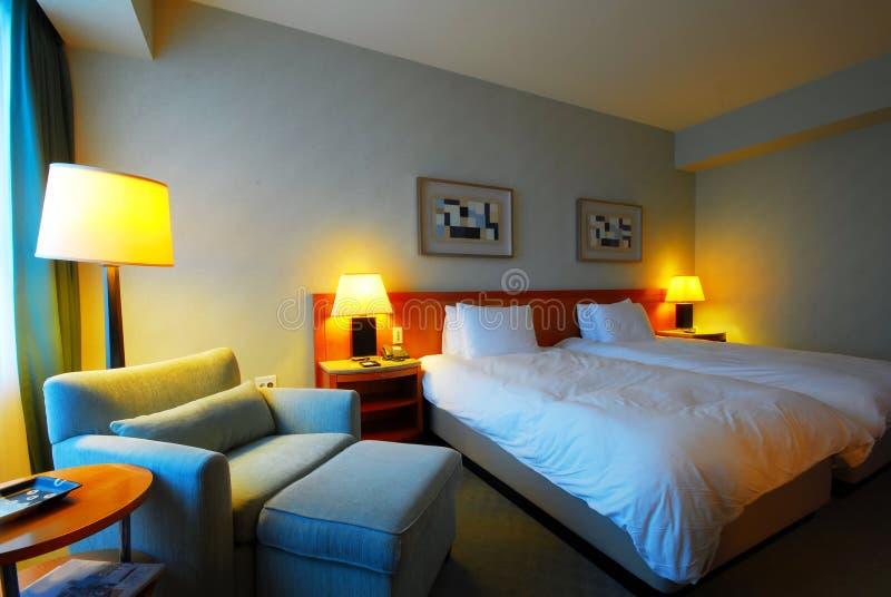 Innenraum eines modernen Hotelzimmers stockfoto