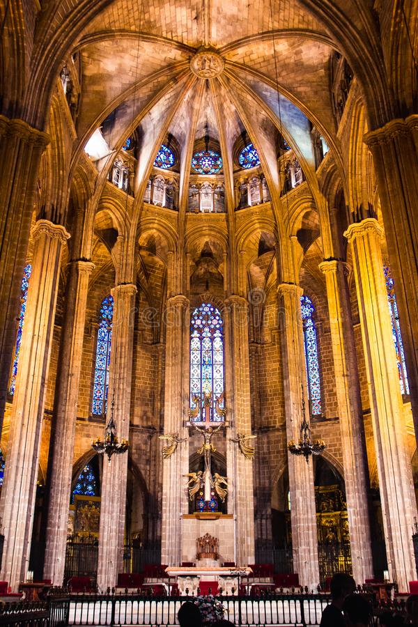 Innenraum gotischer Barcelona-Kathedrale, Spanien lizenzfreies stockbild