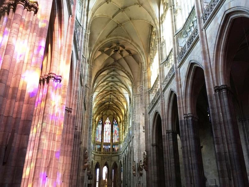 Innenraum-Kathedrale in Prag, am 17. August 2017 lizenzfreies stockbild