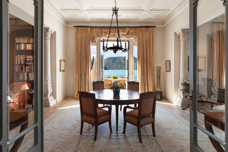 Innenraum, Luxuswohnzimmer stockfotografie