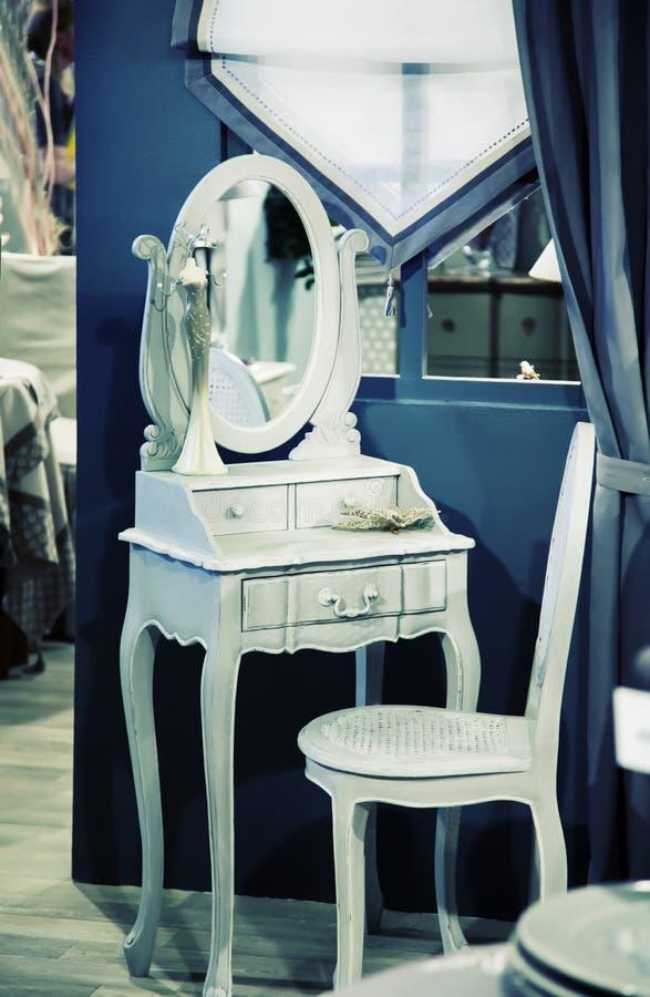 Innenraum mit Stuhl stockfoto