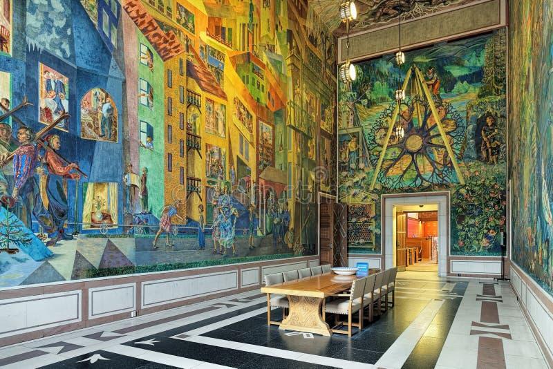 Innenraum Ostgalerie Krohg-Raumes in OsloRathaus, Norwegen lizenzfreie stockbilder