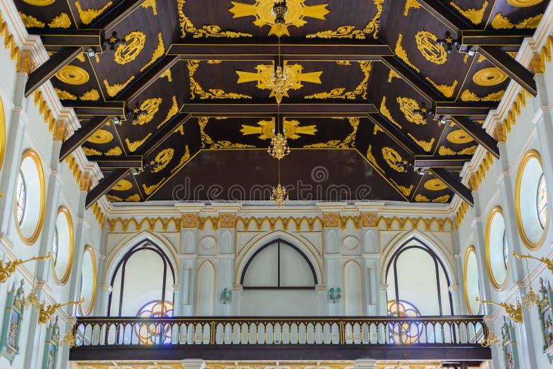 Innenraum Roman Catholic Churchs (die Geburt Christi unserer Dame C stockfotos