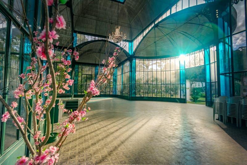 Innenraum von Crystal Palace oder Palacio de Cristal - Petropolis, Rio de Janeiro, Brasilien stockfotografie