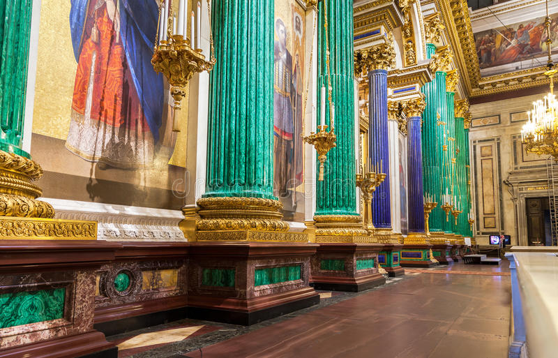 Innenraum von der des Heilig-Isaacs Kathedrale stockbilder