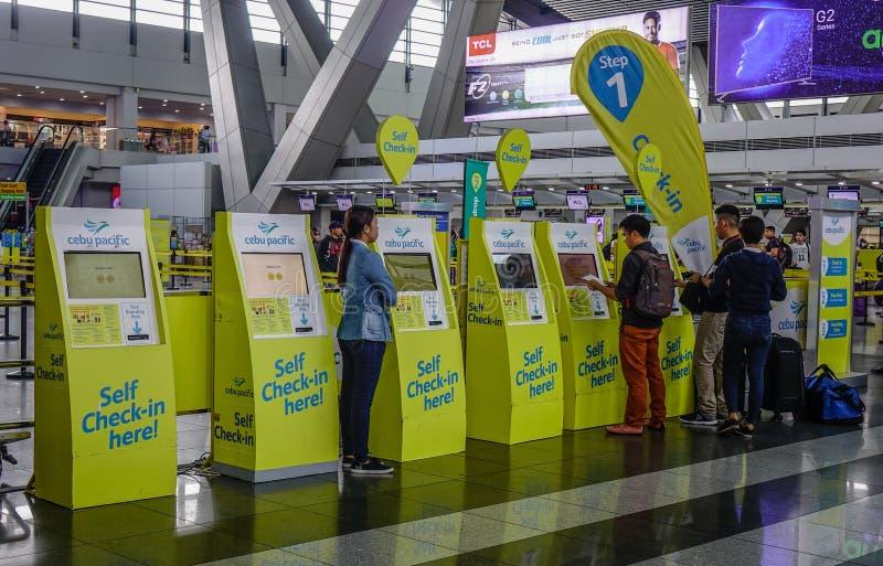 Innenraum von Manila-Flughafen in Philippinen stockfotografie
