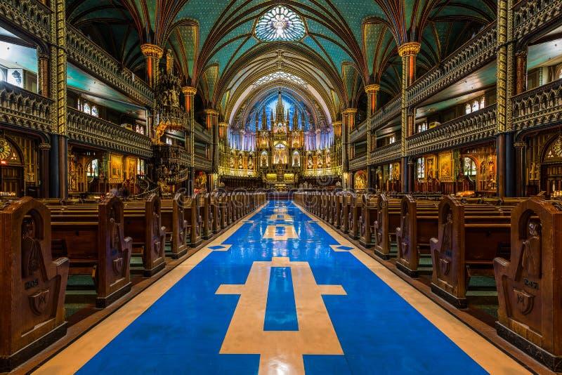 Innenraum von Notre-Dame-De Montreal lizenzfreie stockfotografie