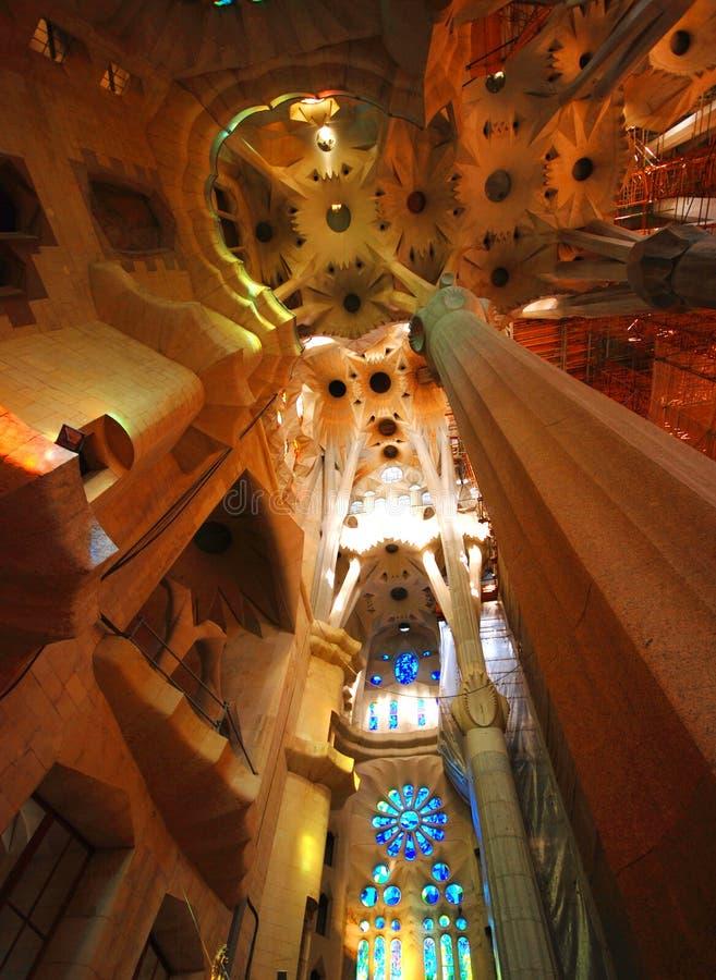 Innenraum von Sagrada Familia lizenzfreies stockfoto