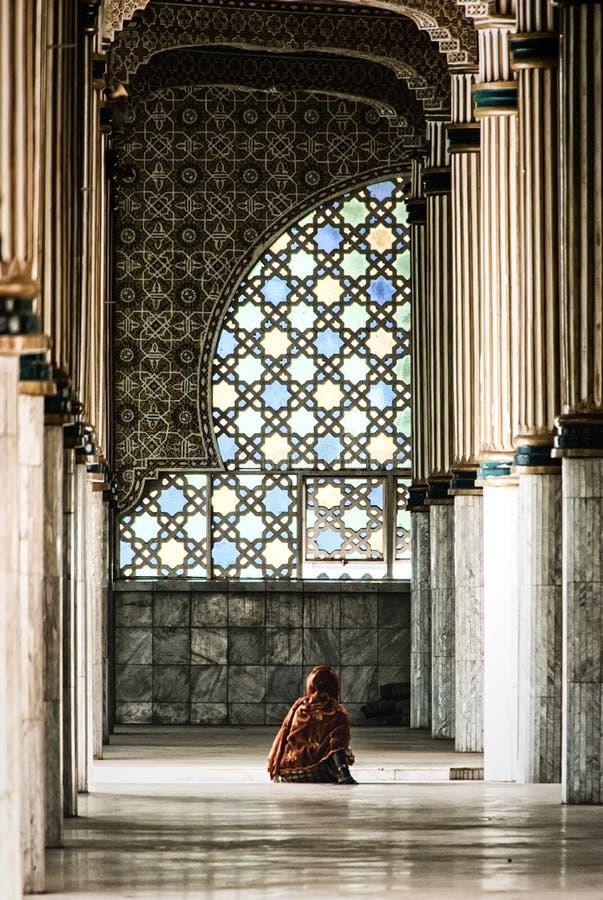 Innenraum von Touba-Moschee, Mitte von Beerdigung Mouridism und Cheikh Amadou Bambas Platz stockbild