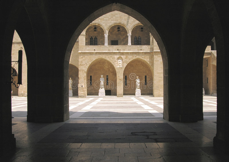 Download Inner Courtyard Statues Royalty Free Stock Photos - Image: 5765678