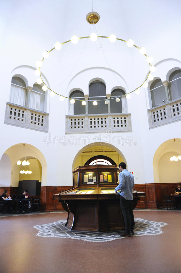 Innere Bibliothek in Dänemark lizenzfreies stockfoto