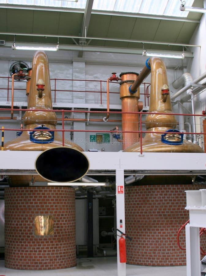 Innere Whiskybrennerei lizenzfreie stockbilder