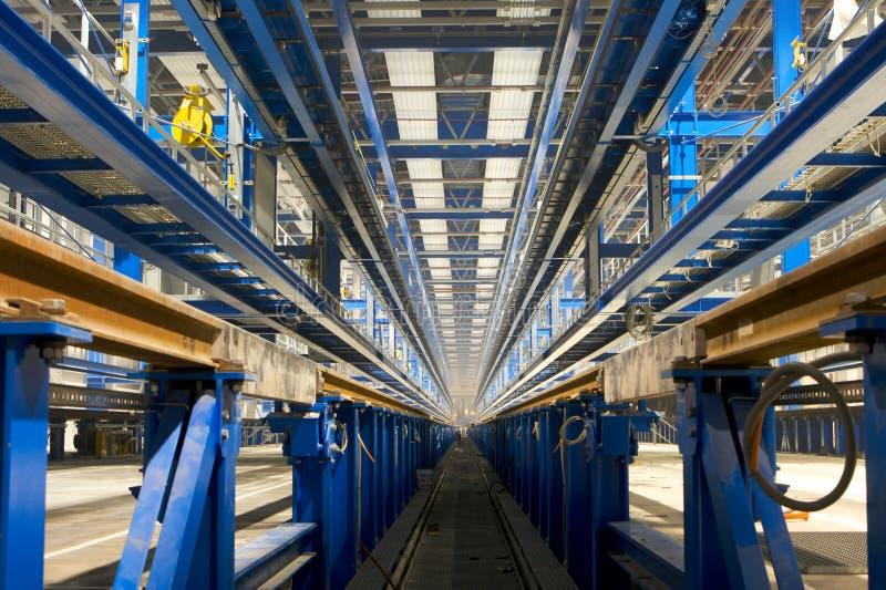 Innerer Fabrikbereich stockbild