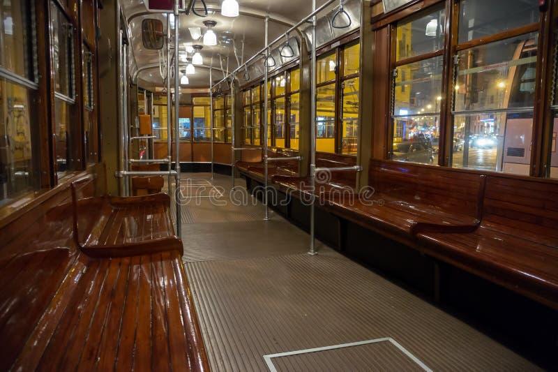 Download Innerer Klassischer Förderwagen In Mailand, Italien Stockbild - Bild von luxus, sitz: 27734857