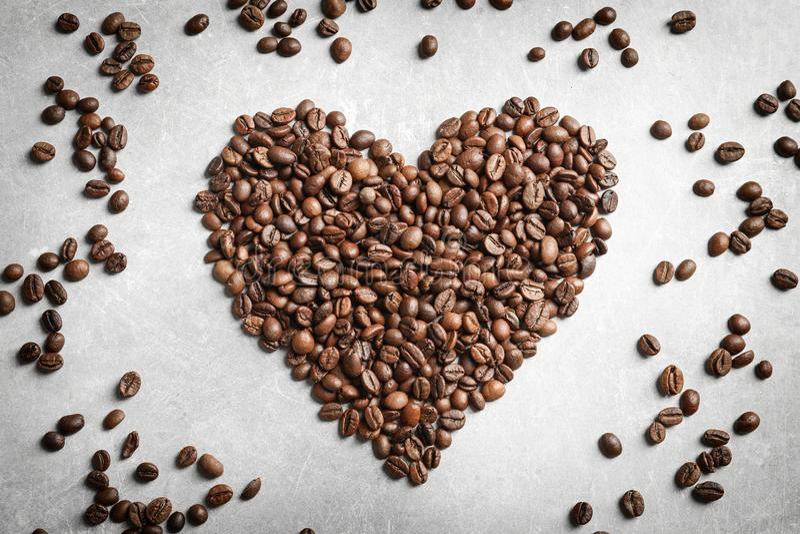 Inneres gebildet von den Kaffeebohnen lizenzfreie stockfotografie