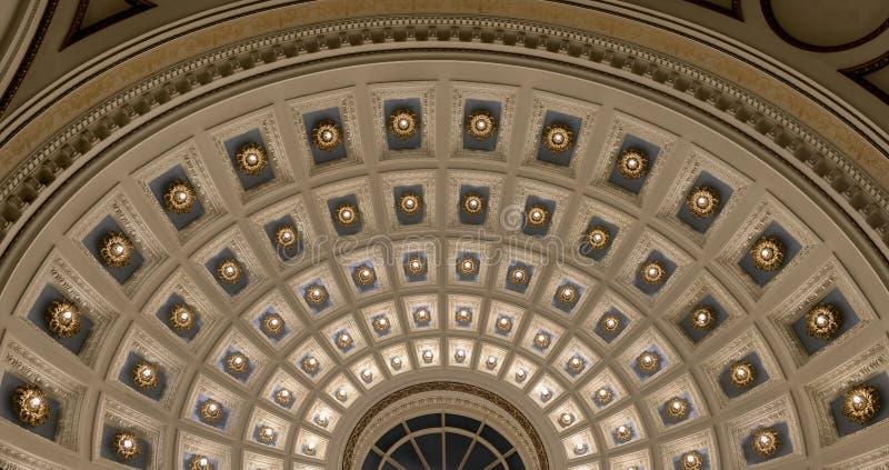 Inneres Haubendetail Milwaukee-öffentlicher Bibliothek stockfotos