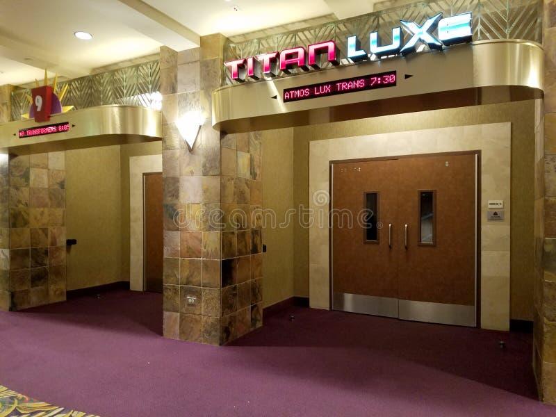 Inneres Kino Ward Stadium mit Eingang des TITANEN XC stockfoto