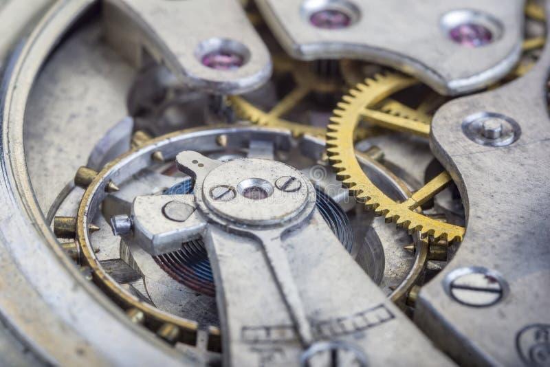 Innerhalb der alten Uhr lizenzfreie stockfotografie