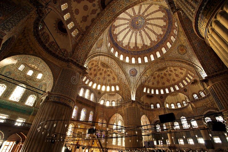Innerhalb der blauen Moschee Instabul stockfotos