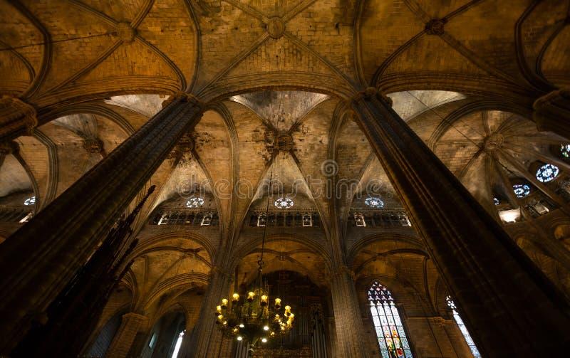innerhalb der Kathedrale von Barcelona Spanien stockfotos
