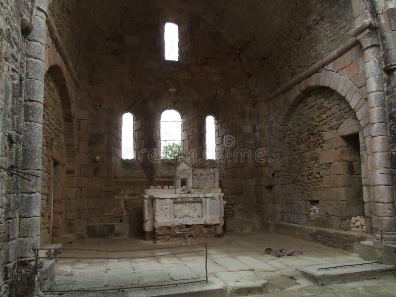 Innerhalb der Kirche bei Oradour Sur Glane Frankreich stockfoto