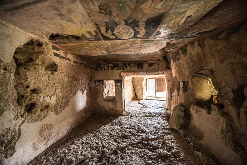 Innerhalb der Stein-gehauenen Kirchen von Iwanowo stockbilder