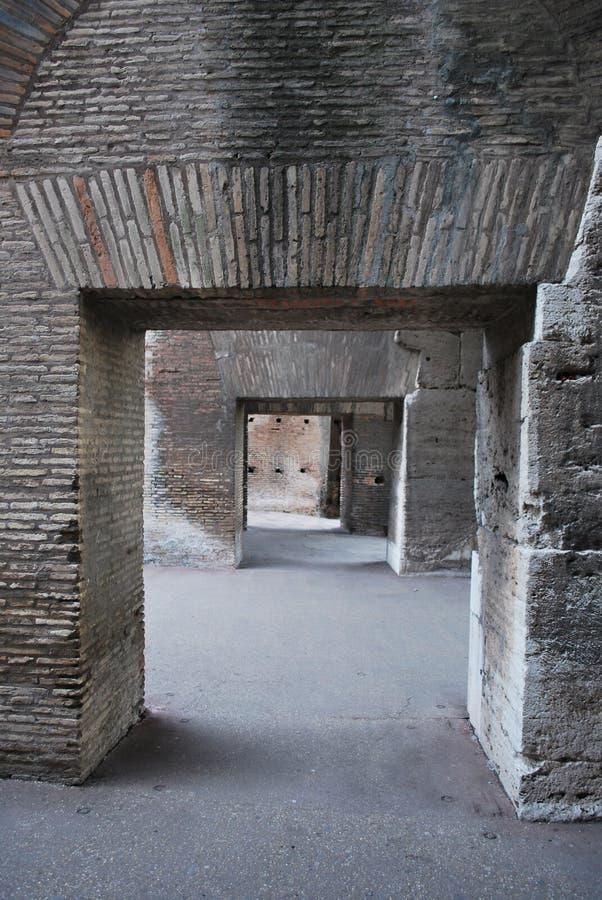 Innerhalb des Colosseum stockfoto