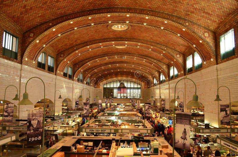 Innerhalb des historischen Westseiten-Marktes in Cleveland stockbild
