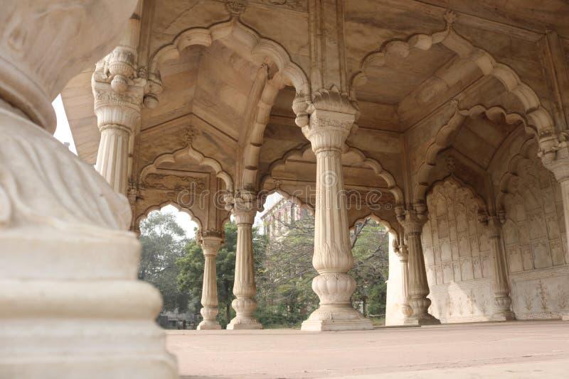 Innerhalb des roten Forts in Delhi lizenzfreie stockbilder