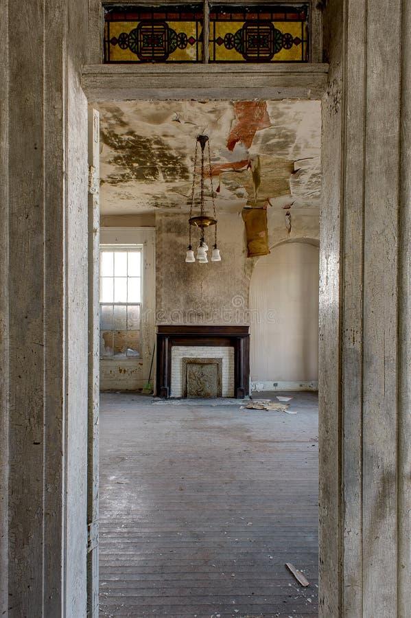 Innerhalb des verlassenen, historischen Fisher-Byington haus- Danville, Kentucky lizenzfreie stockfotos