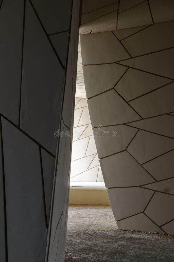 Innerhalb Dohas moderner Art Museum stockfotos