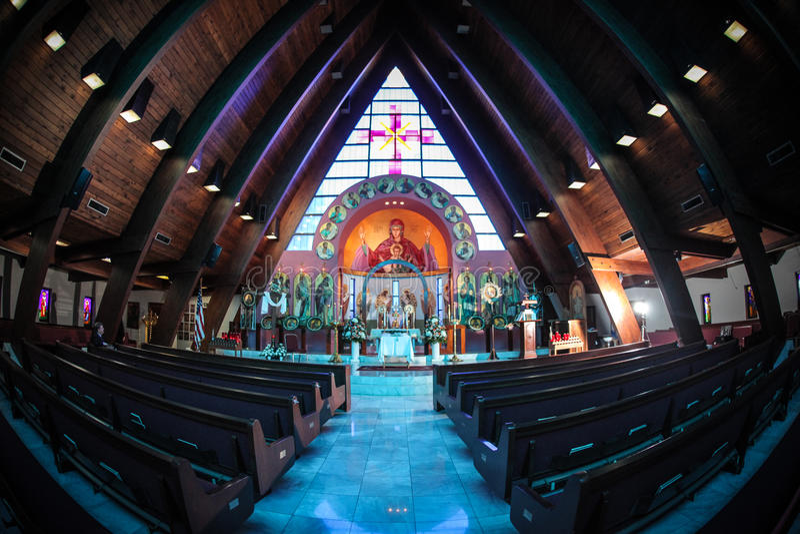 Innerhalb einer Kirche stockfoto