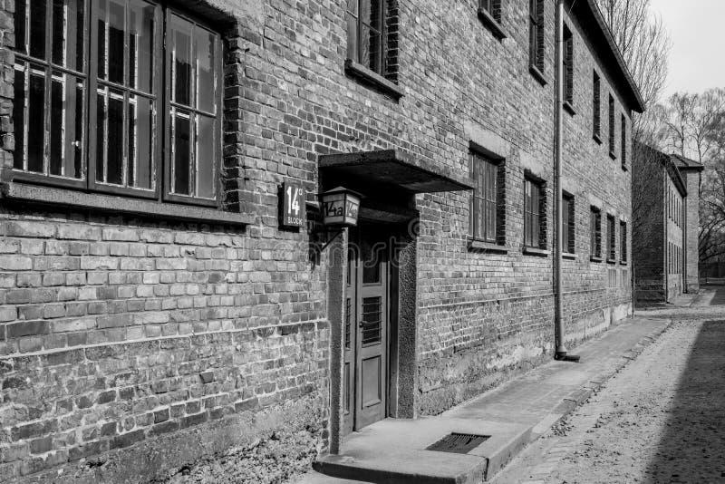 Innerhalb Nazi Concentration Camps von Auschwitz 1, der den Kasernengebäuden zeigt, wo Gefangene in entsetzlichen Bedingungen leb stockfotos