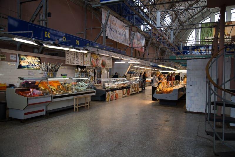 Innerhalb zentralen Marktes Rigas Lettland lizenzfreie stockfotografie