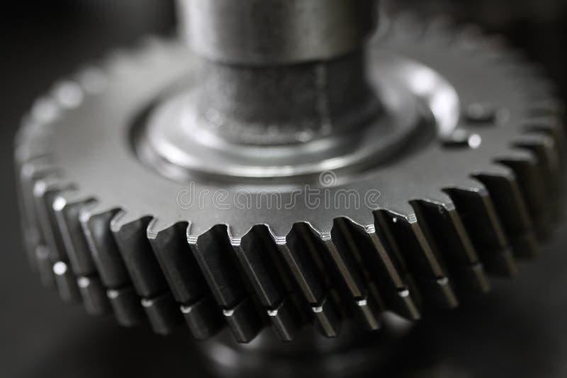 Innesti la puleggia del motore o della macchina per il trasferimento il potere, l'attrezzatura a macchina o il ricambio auto per  immagini stock libere da diritti