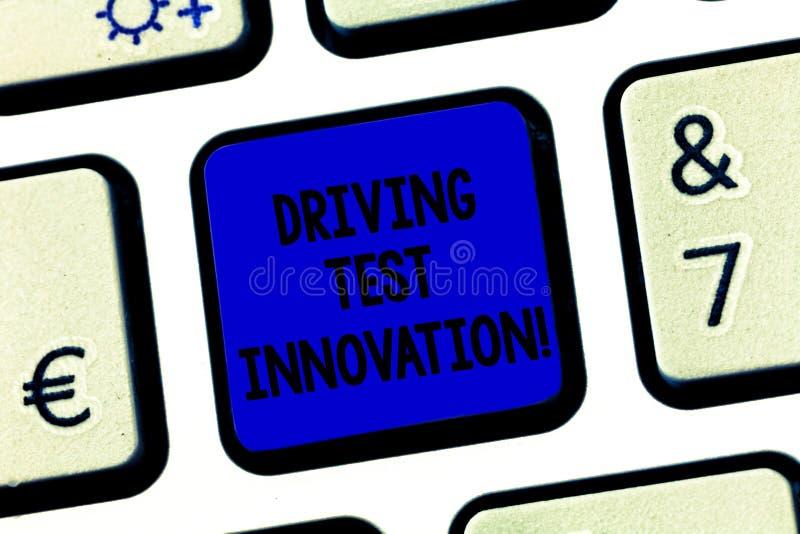 Innovation conceptuelle d'examen de conduite d'apparence d'écriture de main Évaluation de voiture à l'avance des textes de photo  image stock