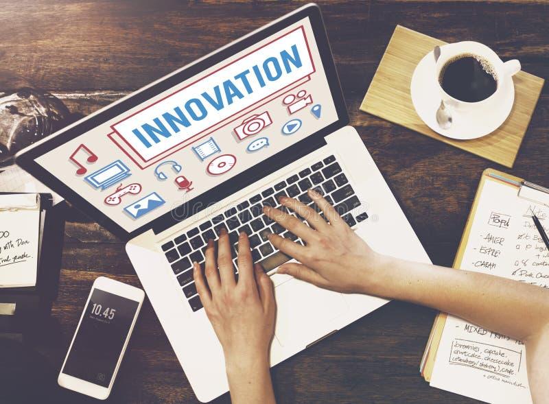 Innovations-Technologie ist kreatives futuristisches Konzept stockfotos