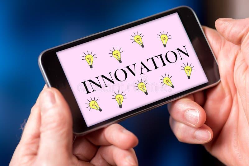 Innovationskonzept auf einem Smartphone stockfoto