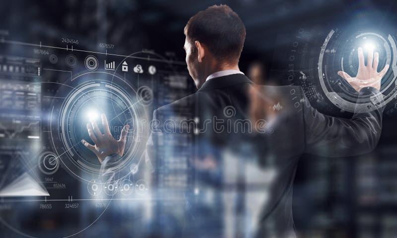Innovative Technologien gebräuchlich Gemischte Medien stockbild