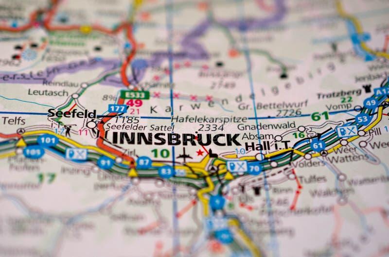 Innsbruck auf Karte stockbild