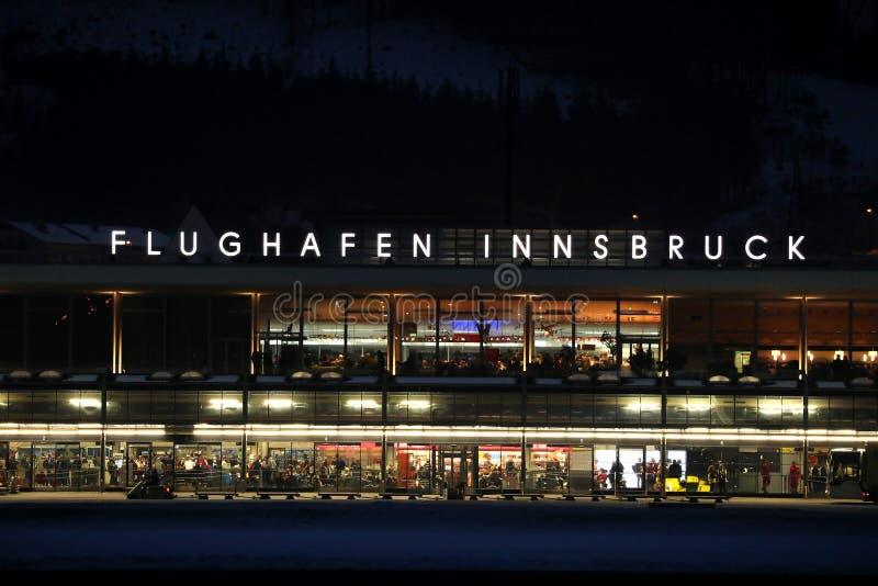 Innsbruck lotnisko, śmiertelnie noc widok zdjęcie royalty free
