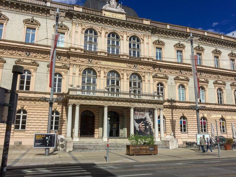 Innsbruck, Tirol/Áustria - 16 de setembro de 2015: Fachada de Fron do fotos de stock royalty free