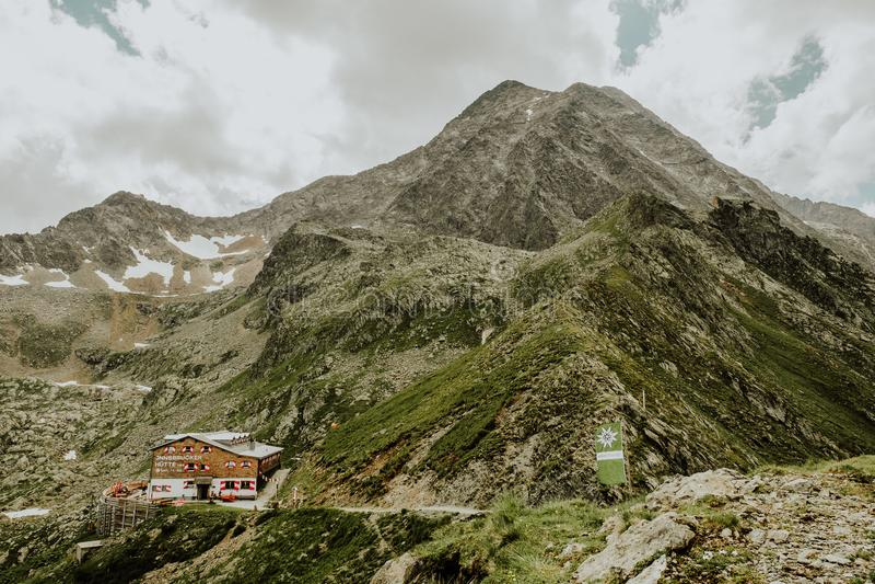 Innsbrucker Huette góry buda zdjęcie royalty free