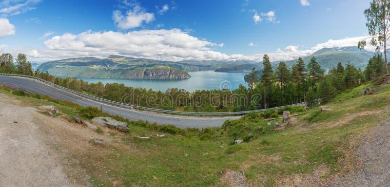 Innvikfjord的全景 免版税库存图片