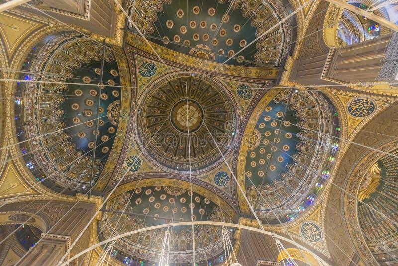 Inom av moskén av Muhammad Ali Saladin Citadel av Kairo royaltyfria bilder