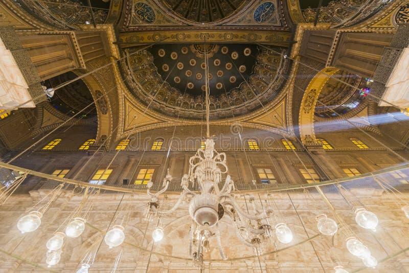 Inom av moskén av Muhammad Ali Saladin Citadel av Kairo royaltyfri bild